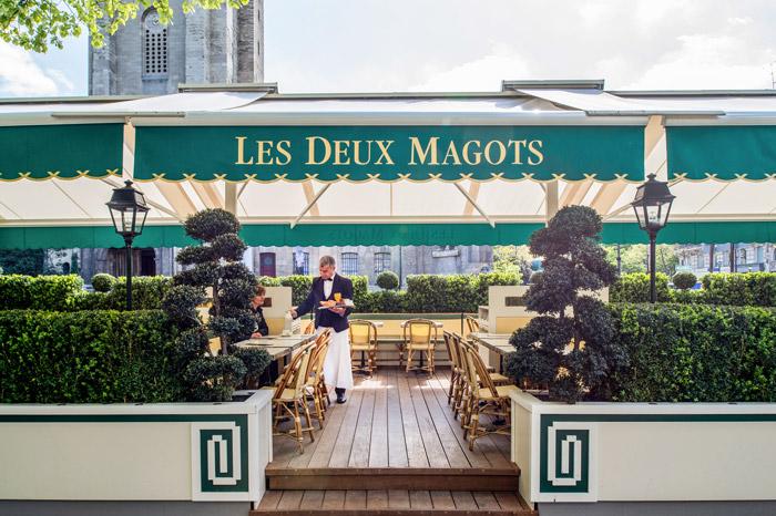 Les Deux Magots, rendezvous on the terraced garden
